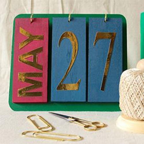 14d a DIYed perpetual calendar7a04bd4f0240ea0a6cf416b798d60911
